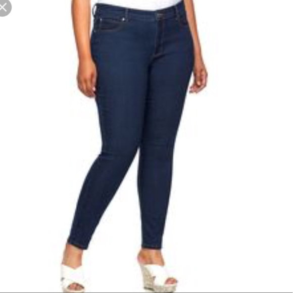 c277f47f538 Jennifer Lopez Skinny Jeans! (Plus Size)